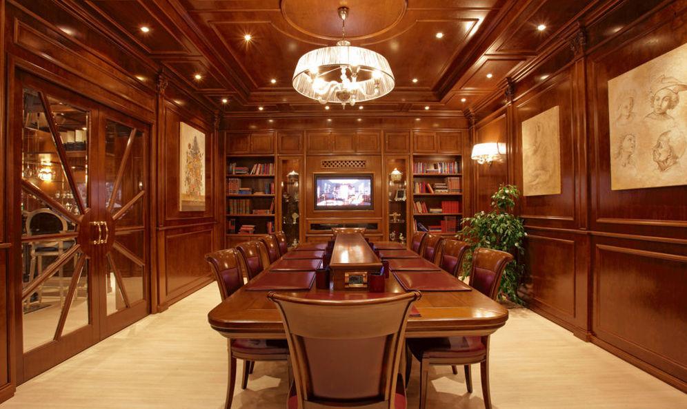 Mobili di lusso usati mobili classici di lusso in stile e for Arredamento seconda mano